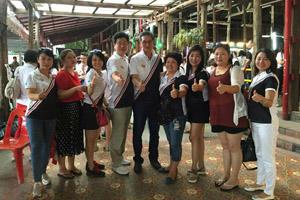 慶鴻總經理與大海副總與組員合照