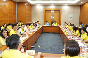 小組研討2-關主名蔚總監與秋碧部經理側拍