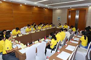 小組研討2-關主威琳總監與承羲總監側拍