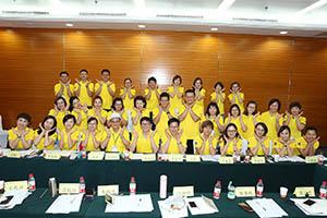 小組研討2-關主建華總監與文山總監和組員合照