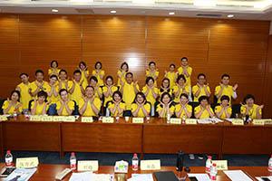 小組研討2-關主淑儀總監與唐鳳部經理和組員合照