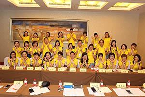 小組研討2-關主煦照總監與明月總監和組員合照