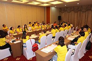 小組研討2-關主煦照總監與明月總監側拍