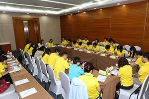 小組研討2-關主翠芳總監與美云總監側拍