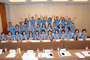 小組研討-關主沛綺總監與程洁籌備總監和組員合照