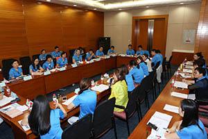 小組研討-關主泓捷籌備協理與黛嘉部經理側拍