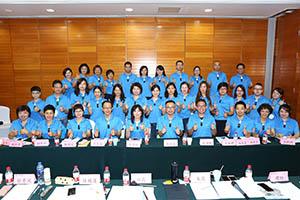小組研討-關主威琳總監與承羲總監和組員合照