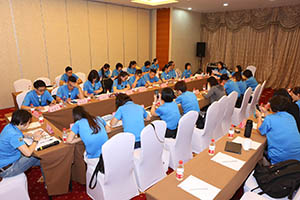 小組研討-關主淑儀總監與唐鳳部經理側拍