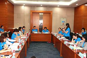 小組研討-關主滿妹協理與柏宏籌備總監側拍