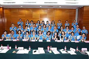 小組研討-關主翠芳總監與美云總監和組員合照