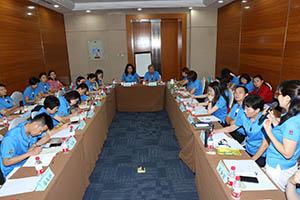 小組研討-關主麗英副總與木海總監側拍