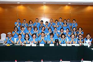 小組研討-關主麗慧籌備總監與舜綺籌備總監和組員合照