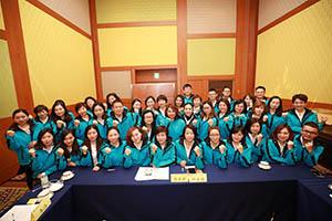 小組研討-關主名蔚總監與沄闲籌備總監和組員合照