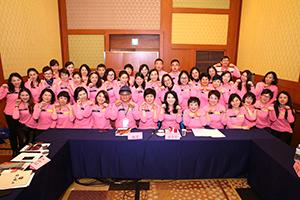 小組研討-關主秀珍副總與程洁籌備總監和組員合照2