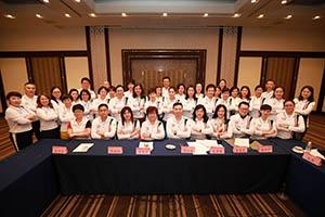小組研討-關主季芸總監與松波籌備總監和組員合照