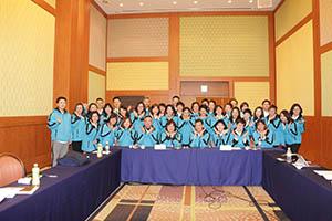 小組研討-關主滿妹協理與柏宏總監和組員合照