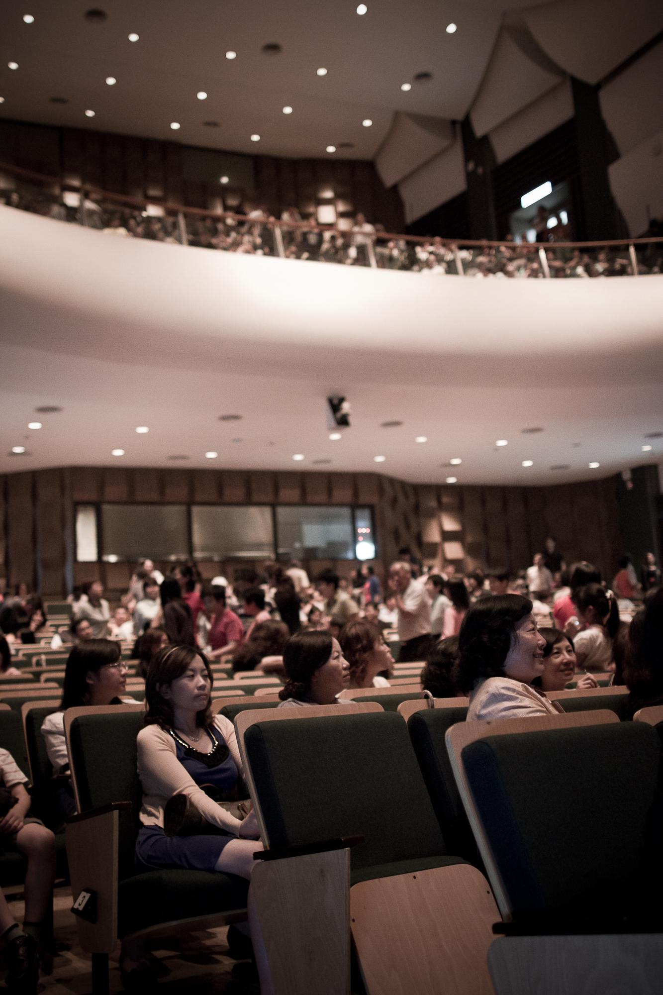 ▲彰化演藝廳近800席座位坐無虛席。