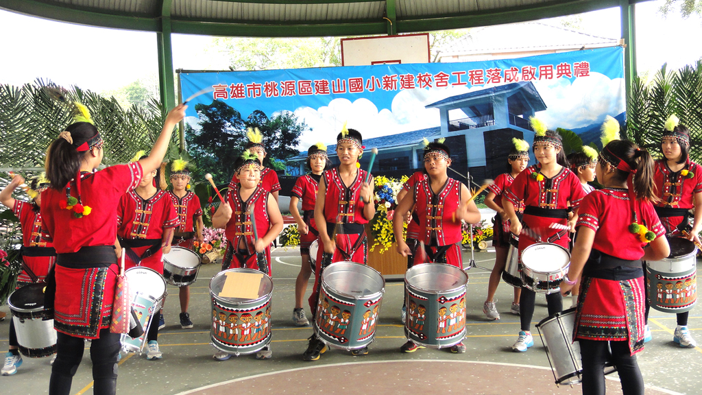 揚名國際的「布農森巴鼓」震撼力十足。