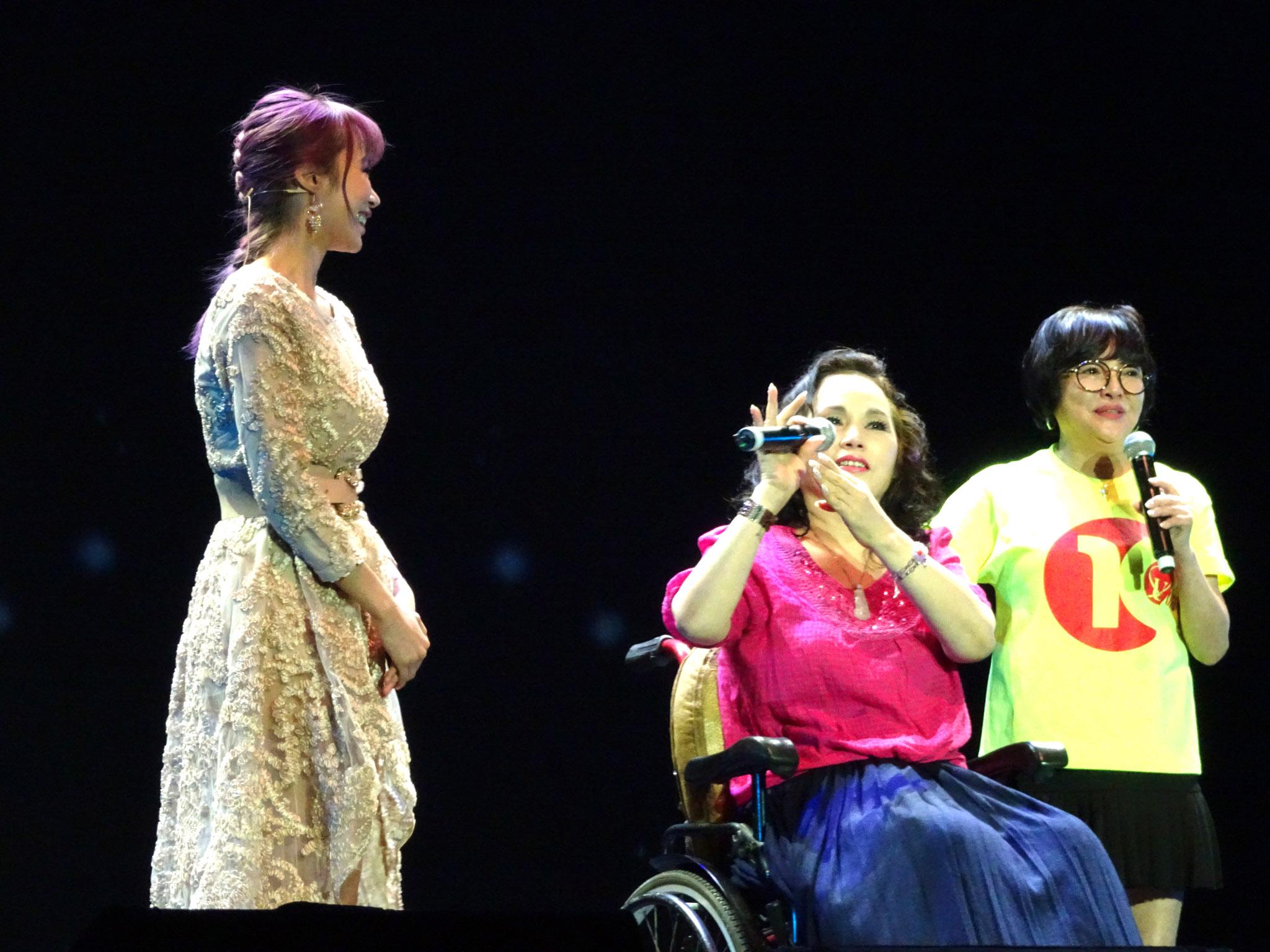 「月亮歌后」歌中劇故事主角-李佩菁演唱會現身。