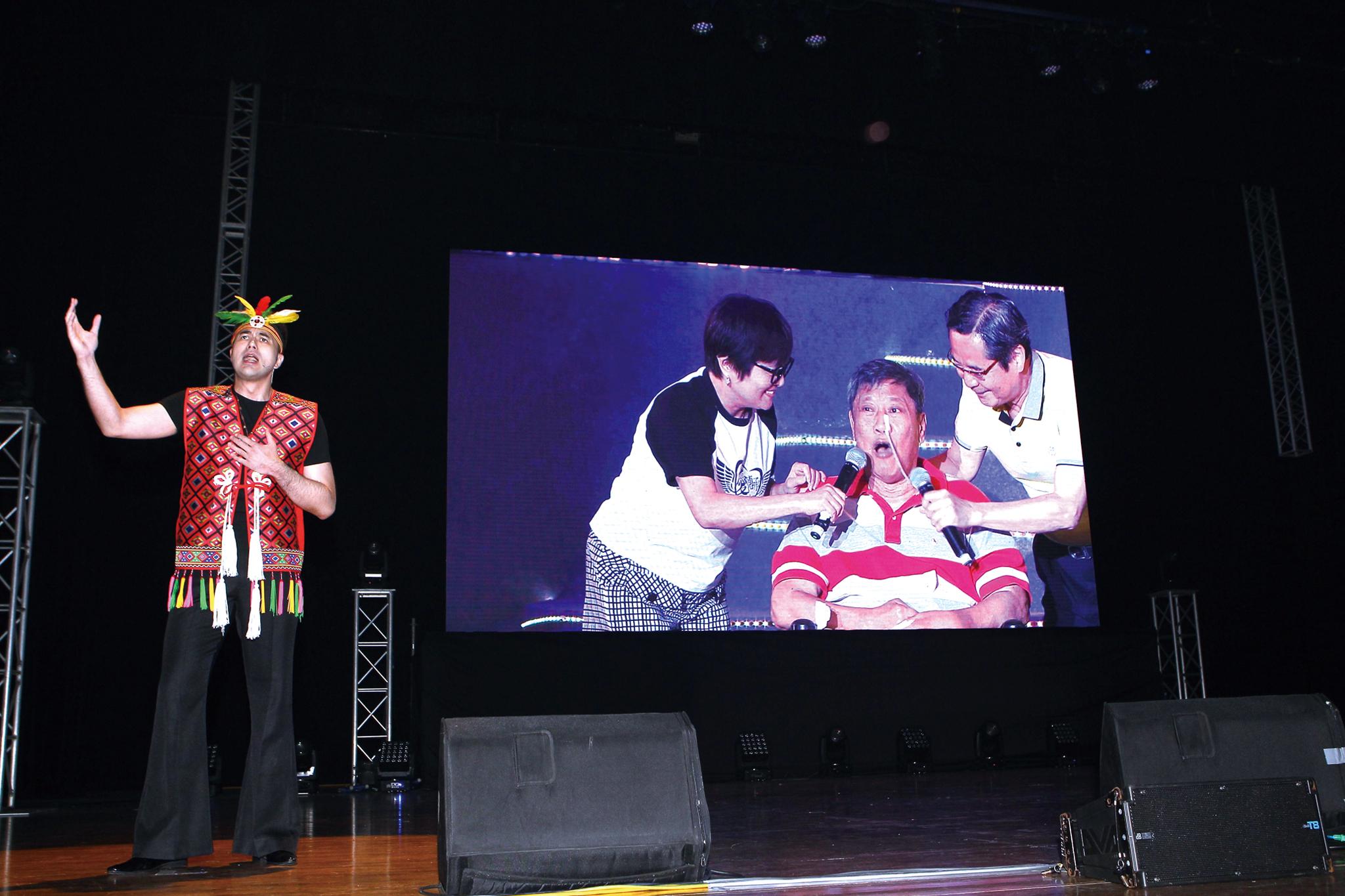 黃志瑋飾演萬沙浪,在劇中劇訴說著卑南王子的故事。