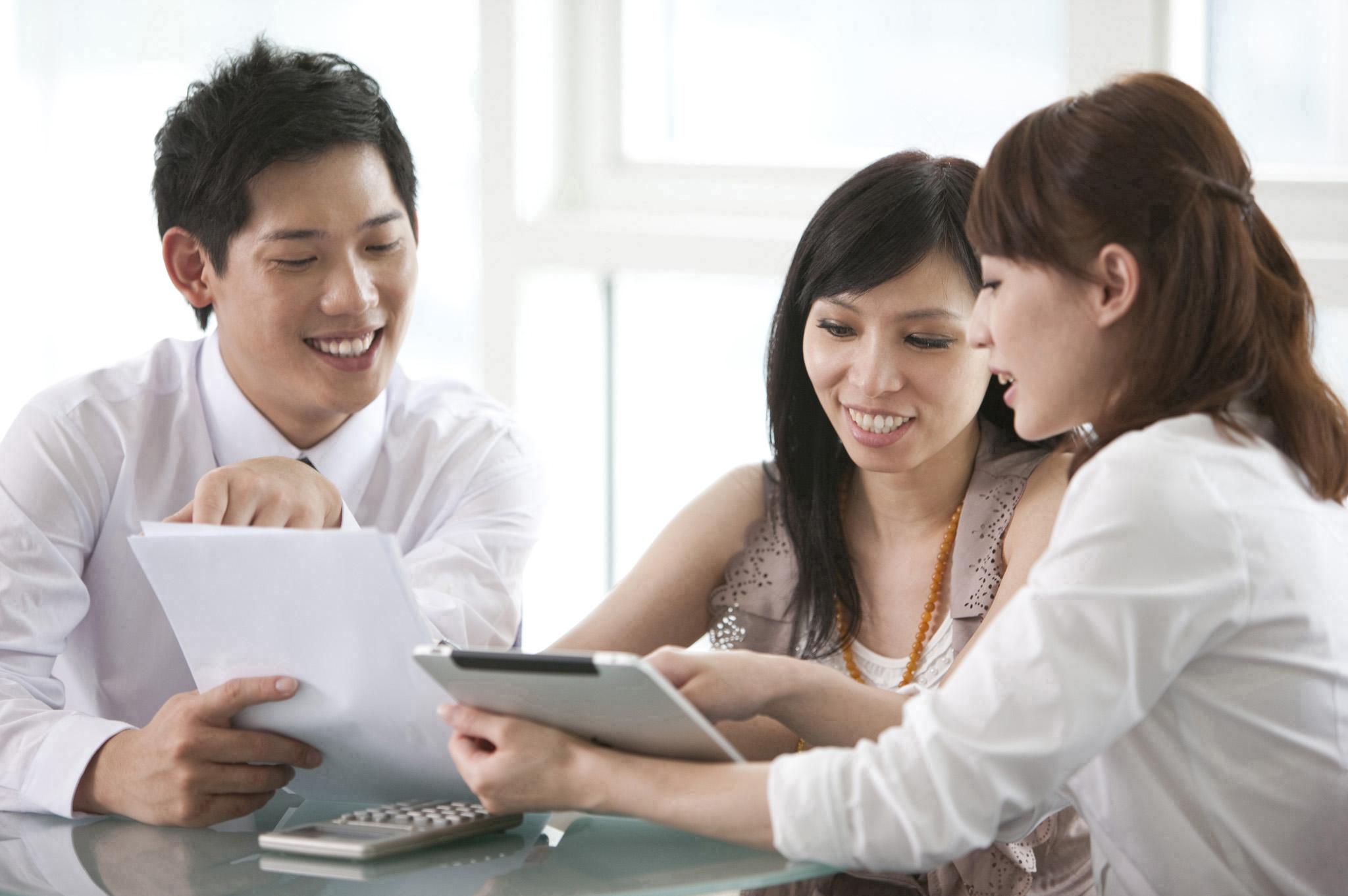 購買保險商品時,應該詳細閱讀「商品說明書或建議書內容」。