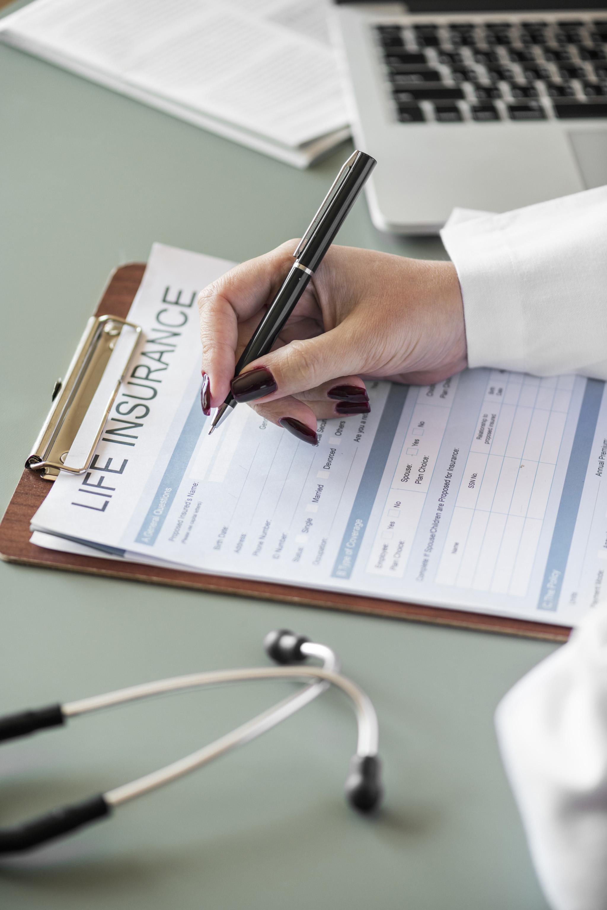 若沒有明顯徵象及證據證明保戶已知本身罹患疾病,保險公司不能拒絕理賠。